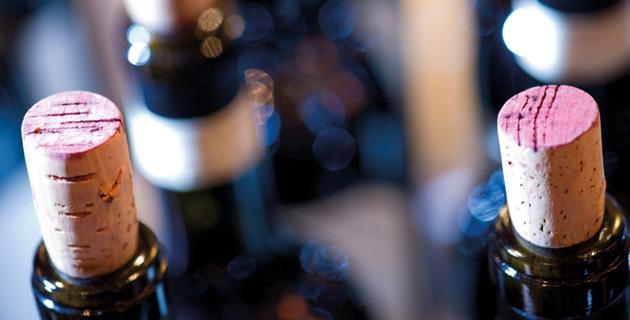 Wie lange kann ich geöffneten Wein aufheben?