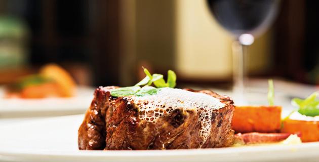 Welchen Wein trinkt man zu welchem Fleisch?