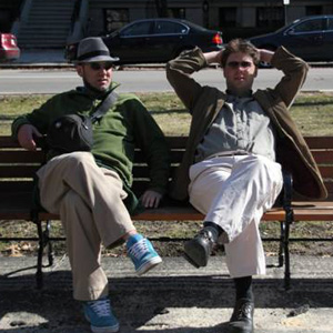Der Gründer des Craft Beer Zentrums Rhein-Main Andreas Fitza (links) und sein Bruder Markus