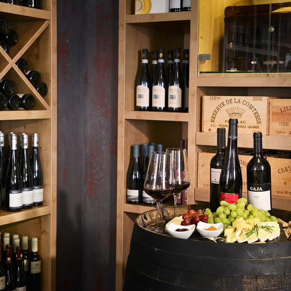 Familie Lerch bietet rund 1000 Weine aus Deutschland, Europa und der ganzen Welt im eigenen Weinladen und Online-Shop an