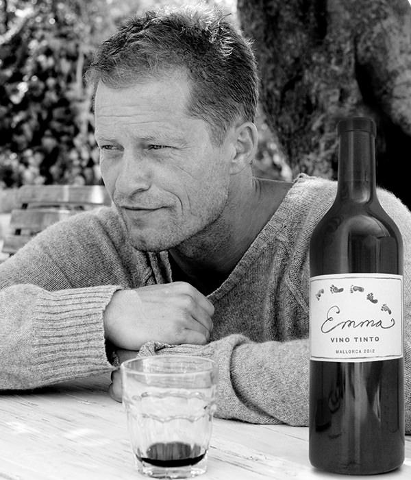Til Schweiger Prasentiert Seinen Ersten Wein Wein Com