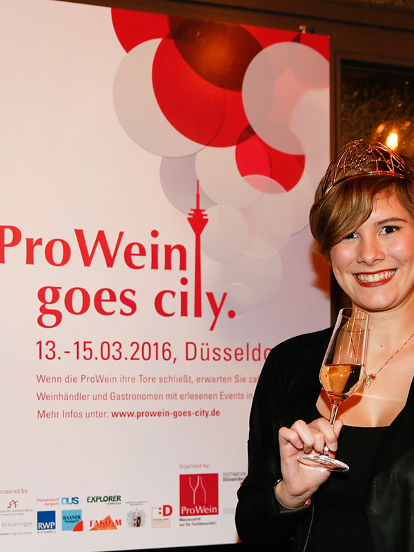 Prowein goes City - mit der Weinkönigin 2016 Josefine Schlumberger