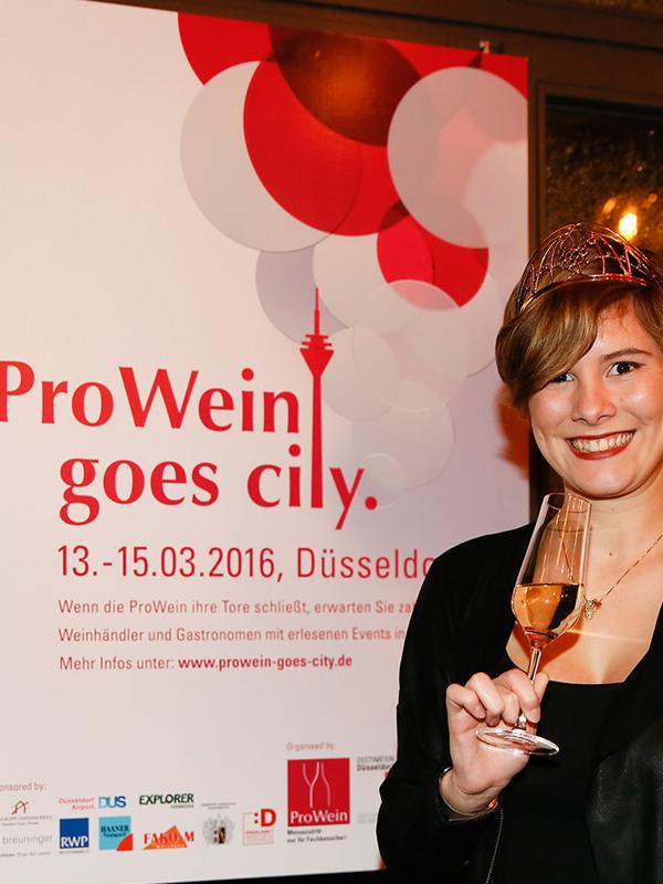 Prowein goes City - mit der Weinkönigin 2016 Josefine Schlumberger
