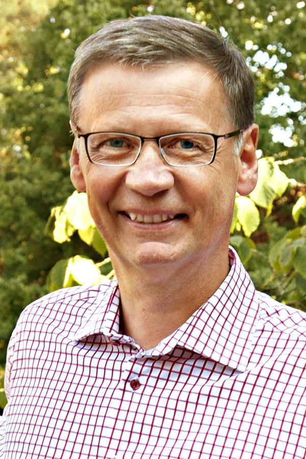 Günther Jauch im Besitzt des Weinguts Von Othegraven