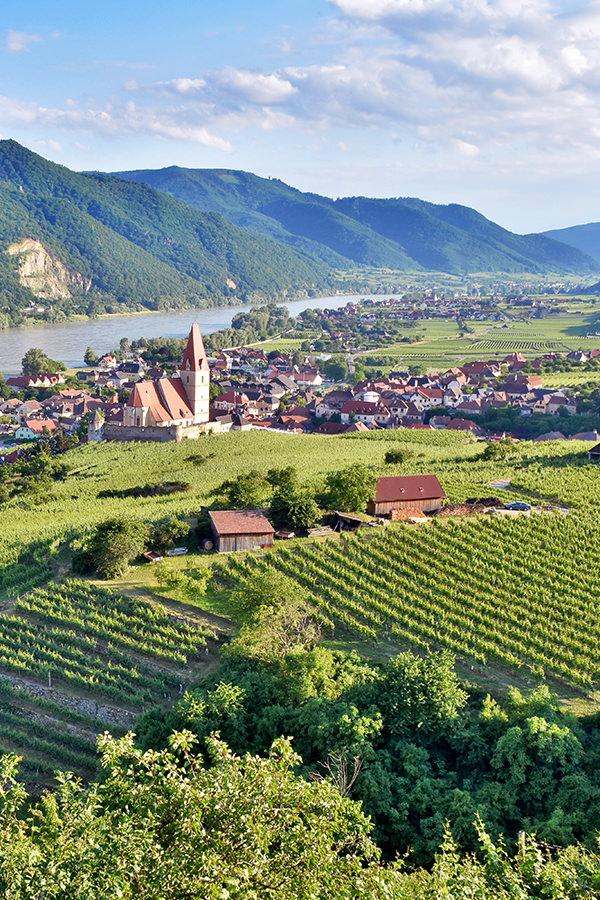 Die Flusslandschaft Wachau in Österreich